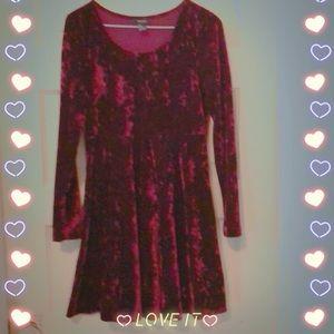 Forever 21 red velvet long sleeve dress size small